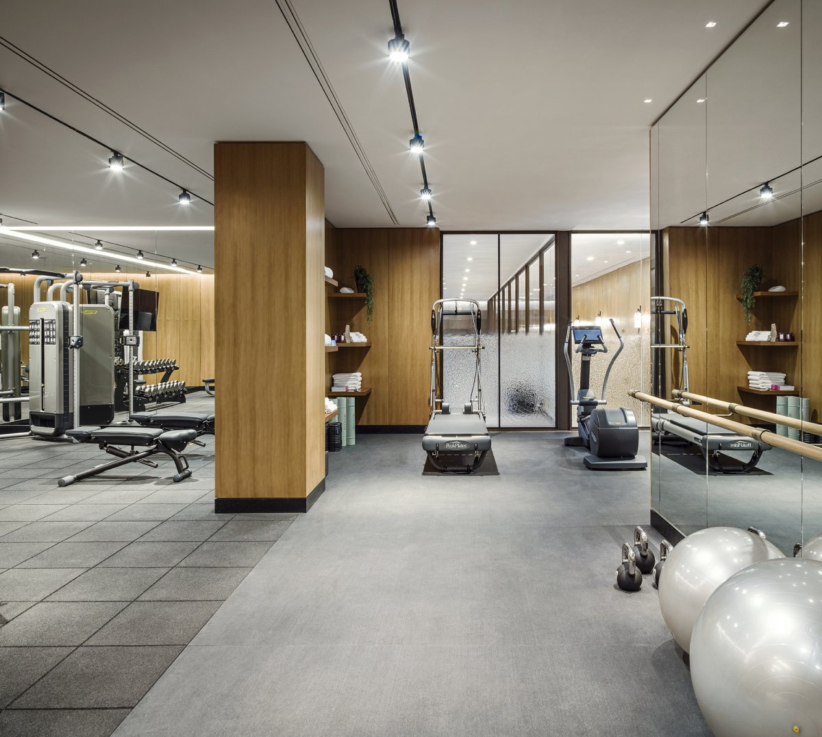 Spacious, private gymnasium in Holland Park Villas